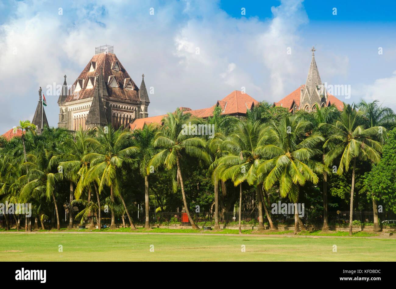 La costruzione dell'Alta Corte di Mumbai, Maharashtra, India Immagini Stock