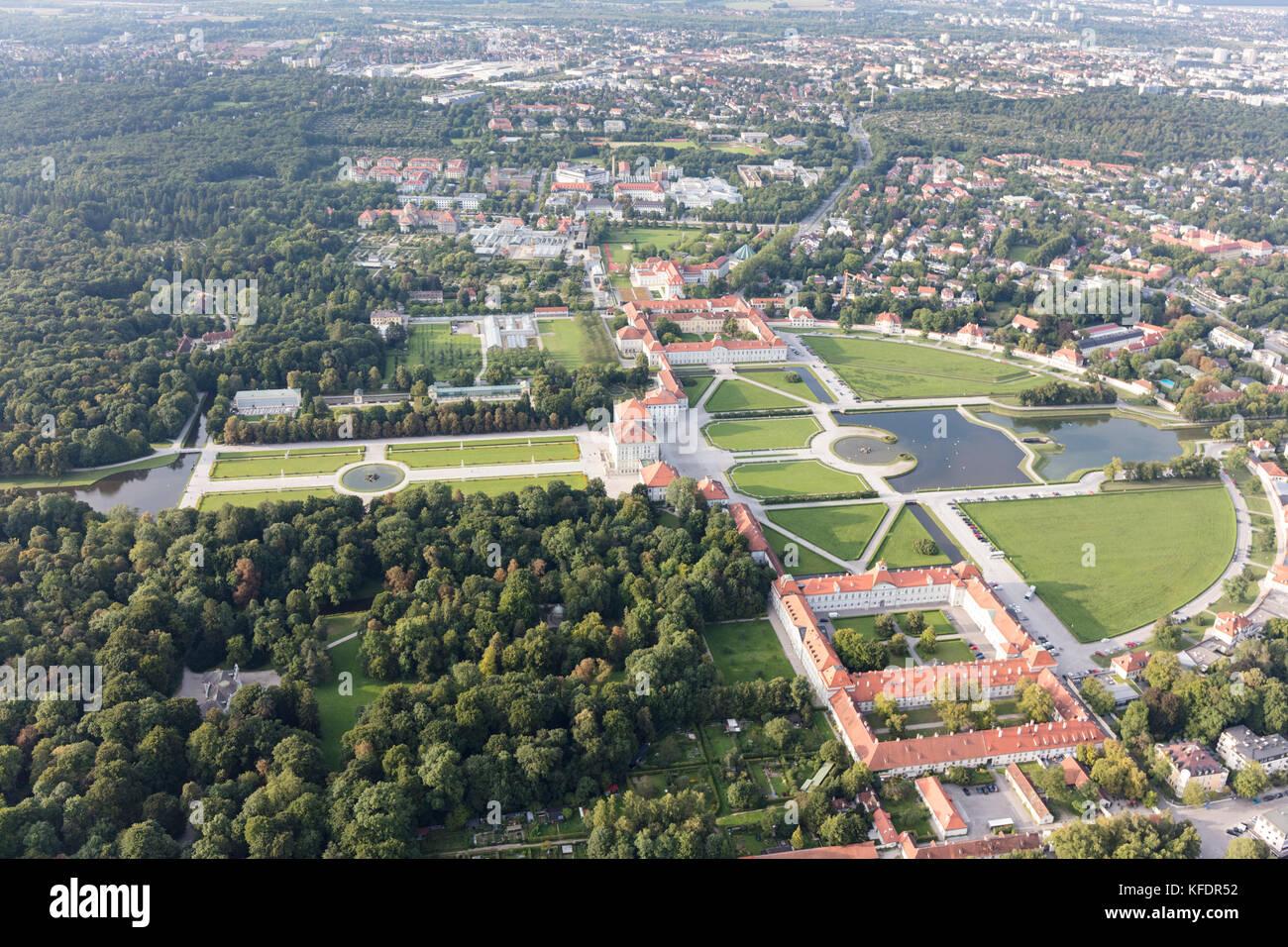 Veduta aerea del castello di Nymphenburg Palace (Schloss Nymphenburg), Monaco di Baviera, Germania Immagini Stock