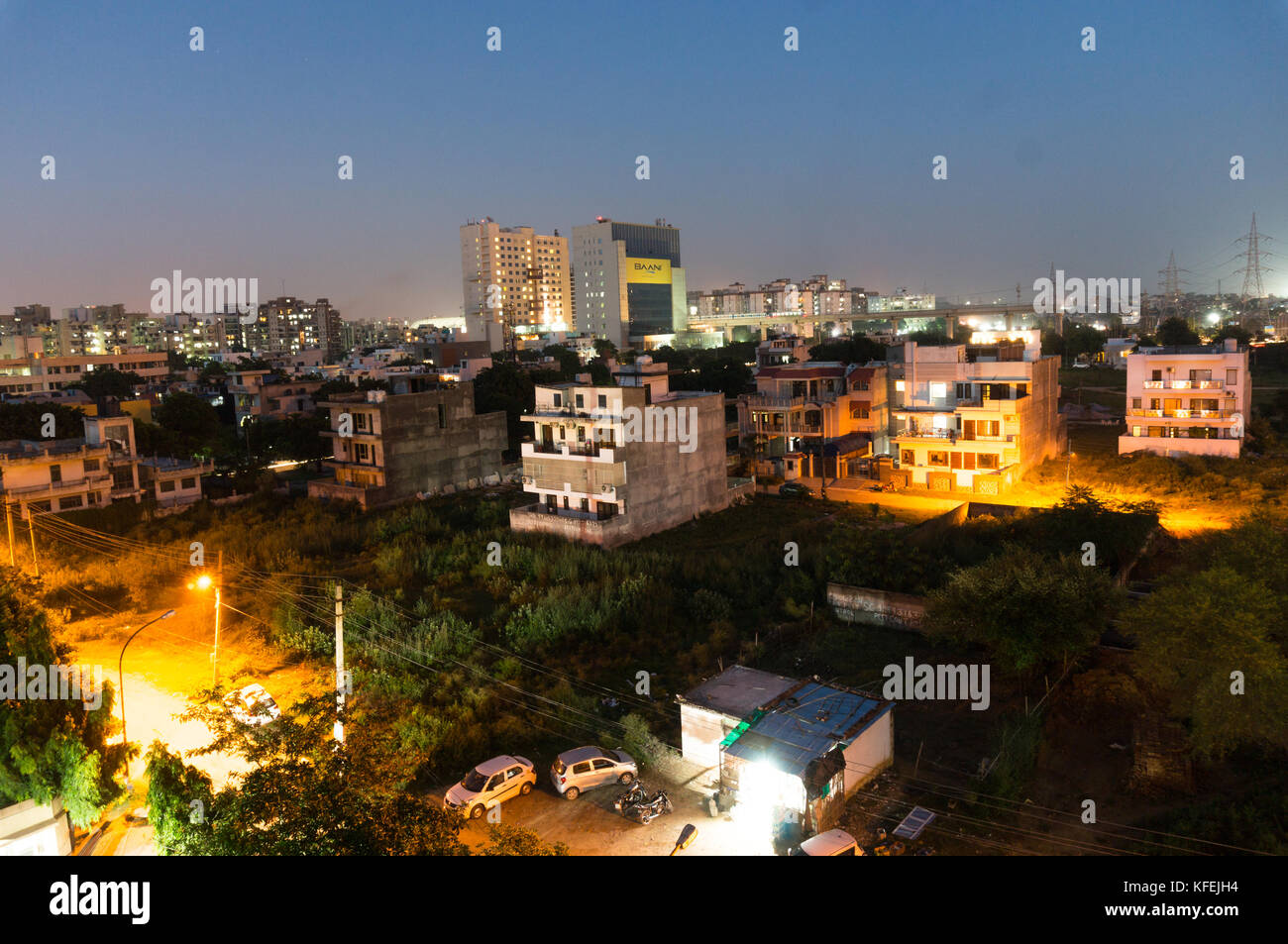 Gurgaon cityscape di notte con belle luci Immagini Stock