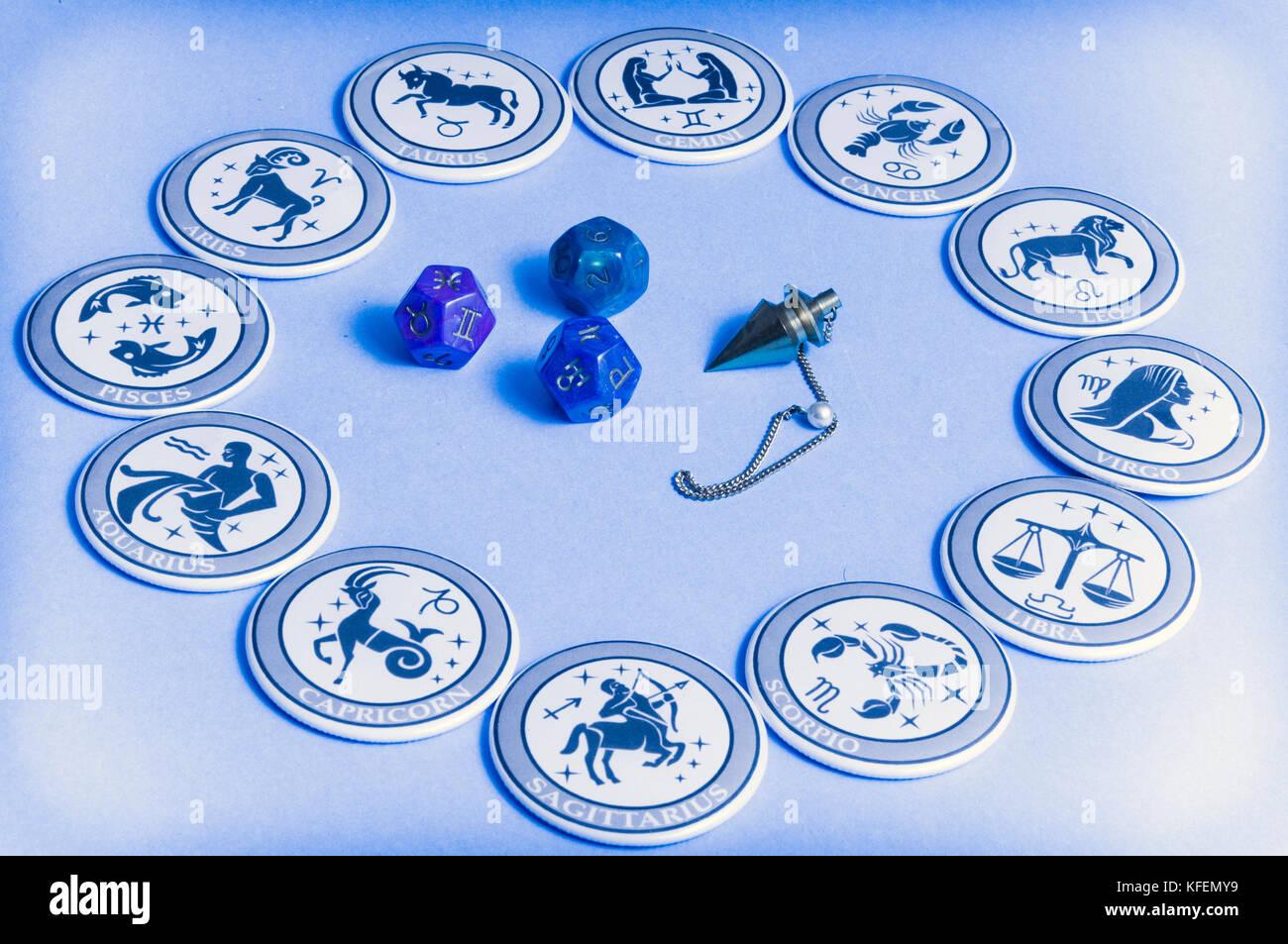 Fortune raccontando e oggetti esoterica Immagini Stock