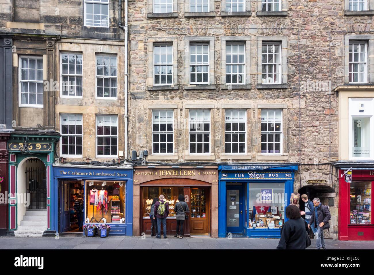 Shop fronti sul Royal Mile di Edimburgo Città Vecchia, Scotland, Regno Unito Immagini Stock