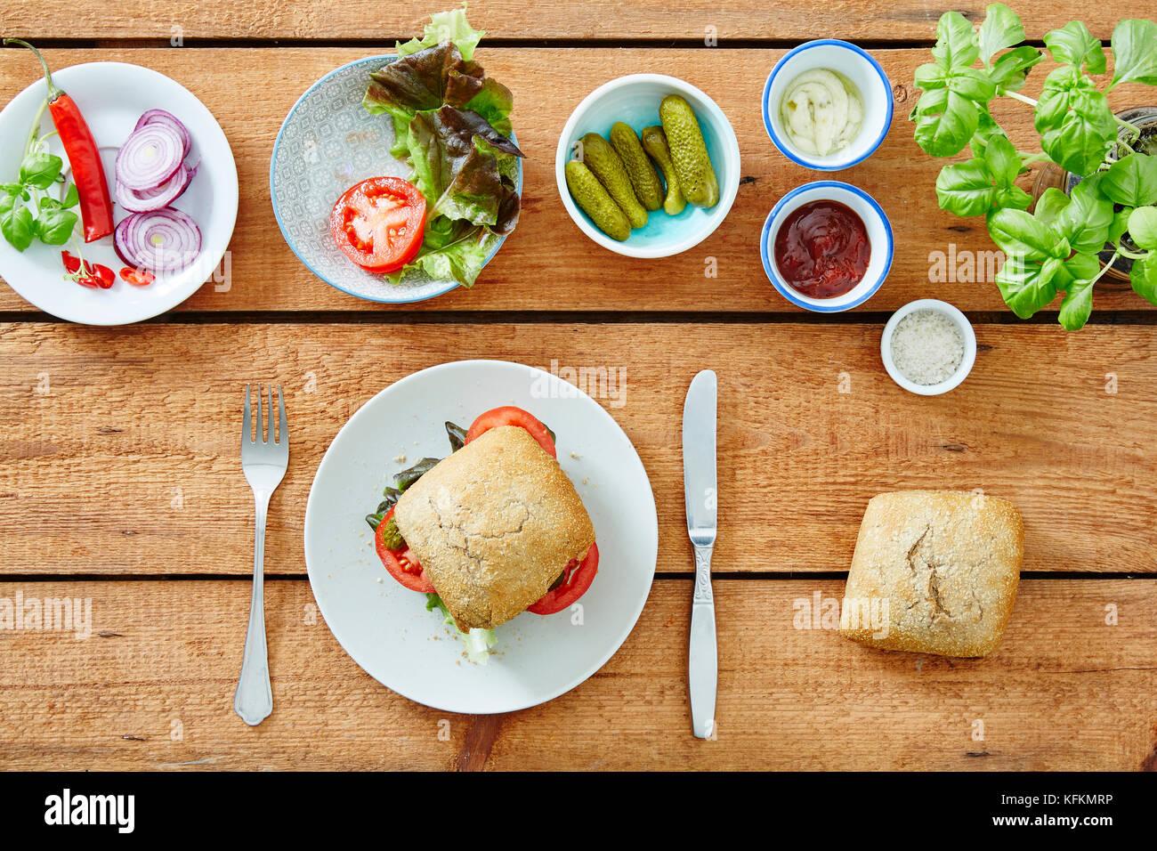 Self Made sandwich freschi buongustai deliziosi snack Immagini Stock