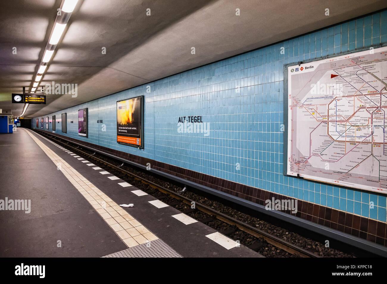 Berlin alt tegel metropolitana u bahn piattaforma con piastrelle