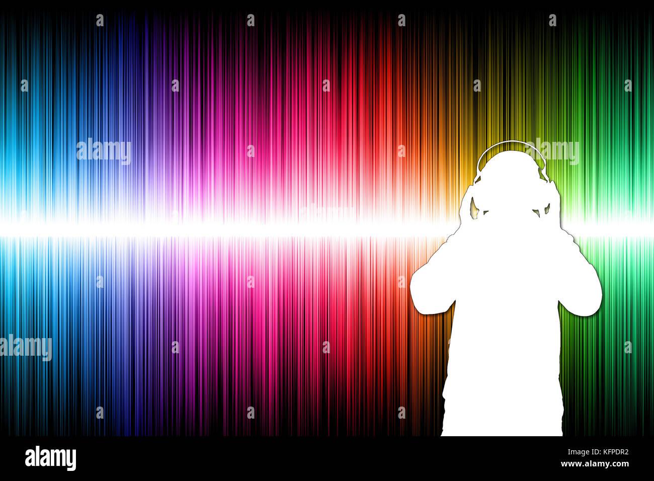 Silhouette di un uomo con cuffie e onde sonore in background Immagini Stock
