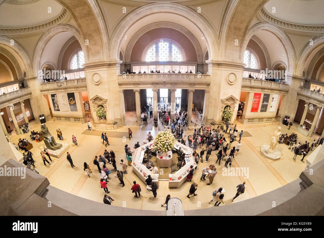 Sala grande del metropolitan museum of art di fifth avenue for Sala new york