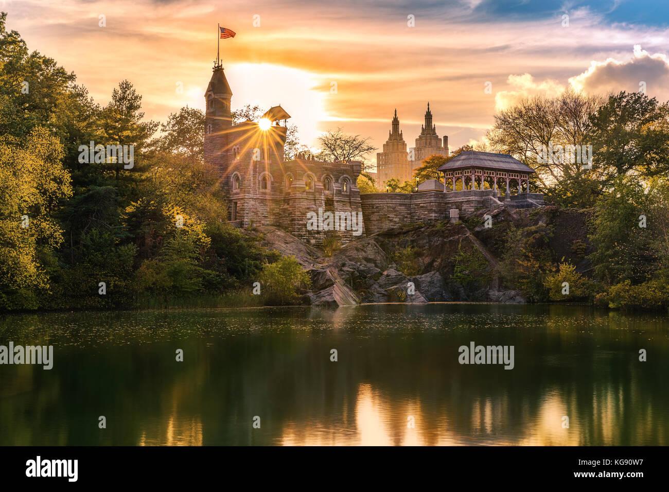 Castello del Belvedere al tramonto. Castello del Belvedere è una follia costruito nel tardo XIX secolo nel Immagini Stock