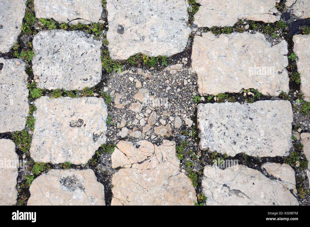 Pavimento In Pietra Calcarea : Vecchia pavimentazione di pietra calcarea foto immagine stock