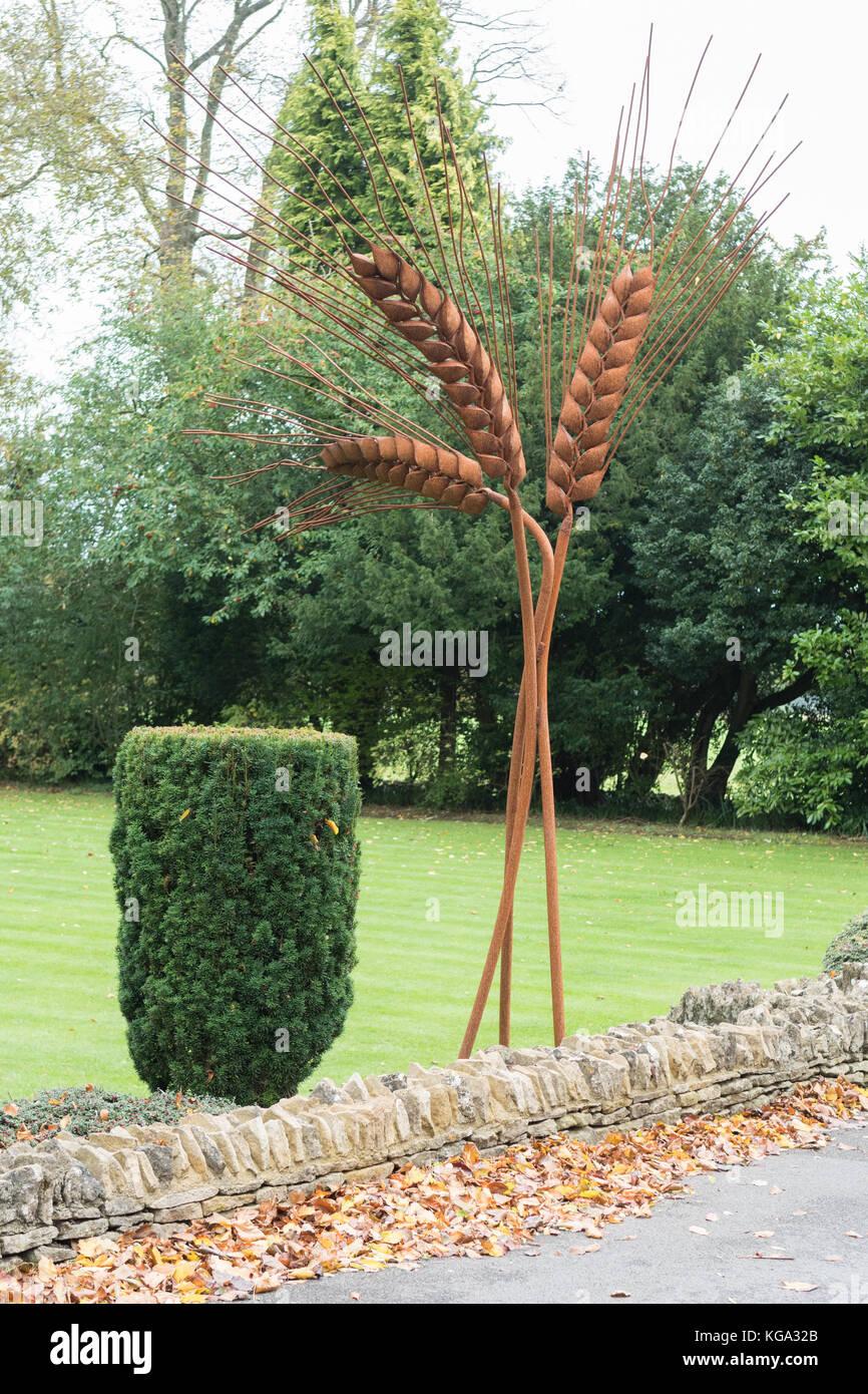 Orzo scultura da saranno carr al Royal Agricultural university, Cirencester, England, Regno Unito Immagini Stock