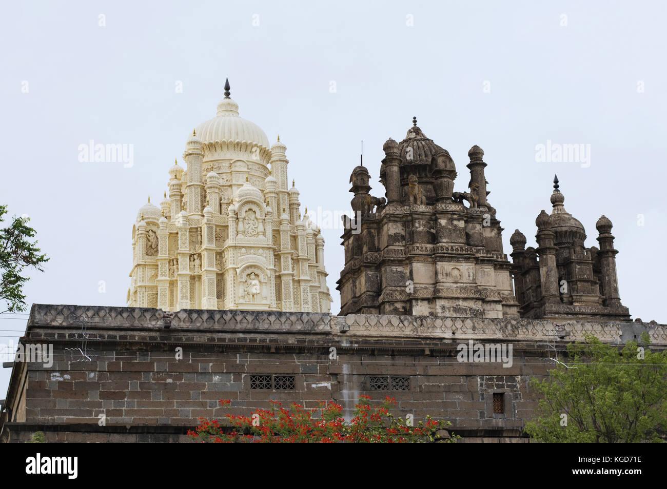 Tempio bhuleshwar, tempio di Shiva con architettura Islamica con cupole, yavat, maharashtra Immagini Stock