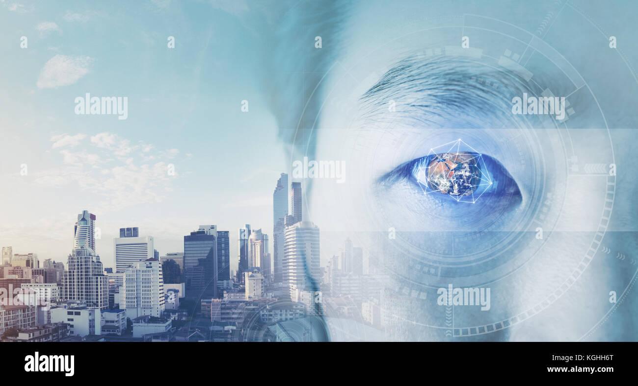 La doppia esposizione, imprenditore il occhio, con globo futuristico e tecnologia grafica. La visione aziendale Immagini Stock