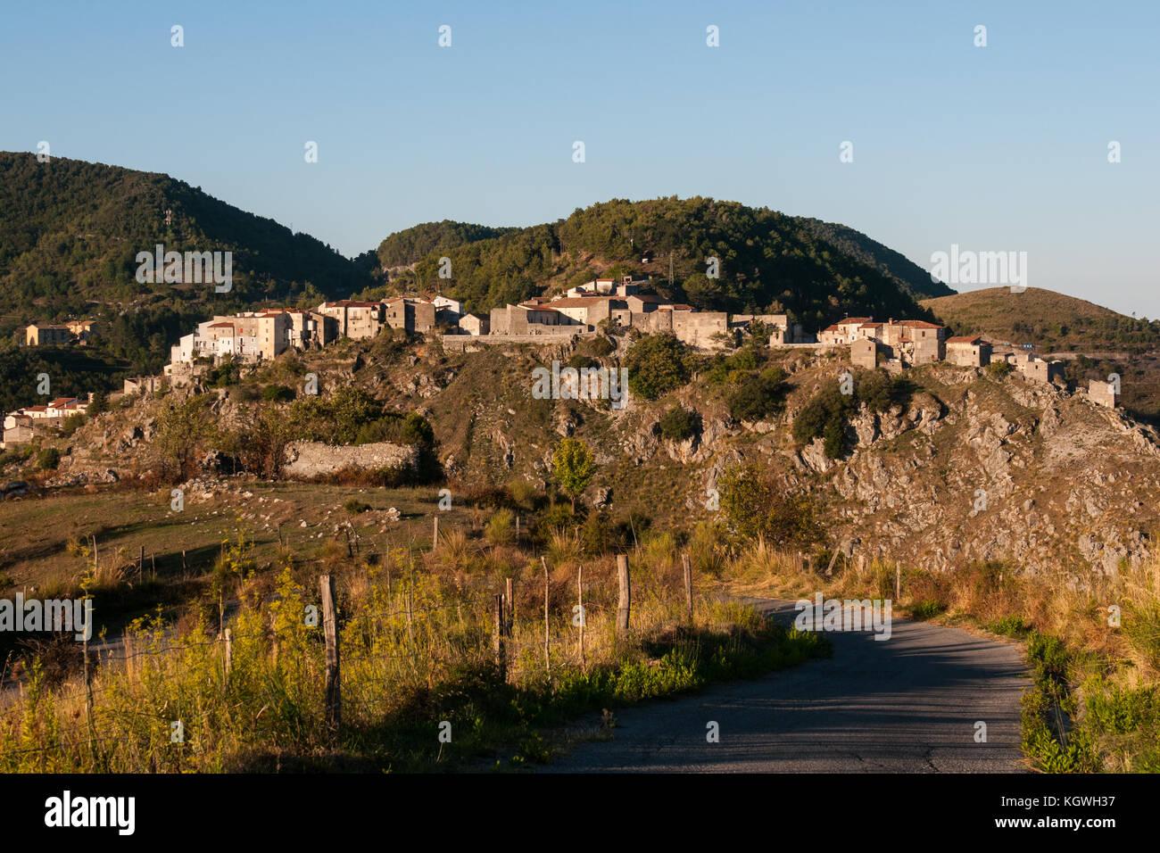 AietaItaliaAietascritto Di Del Villaggio Anche In Una Vista 7f6yYgvb