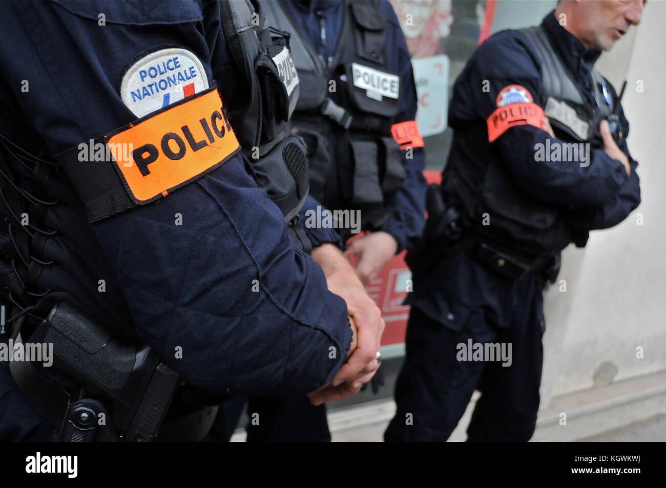 Michel delpuech, prefetto del Rodano, paga visita ai funzionari di polizia impegnato in euro 2016 fanzone sicurezza Immagini Stock