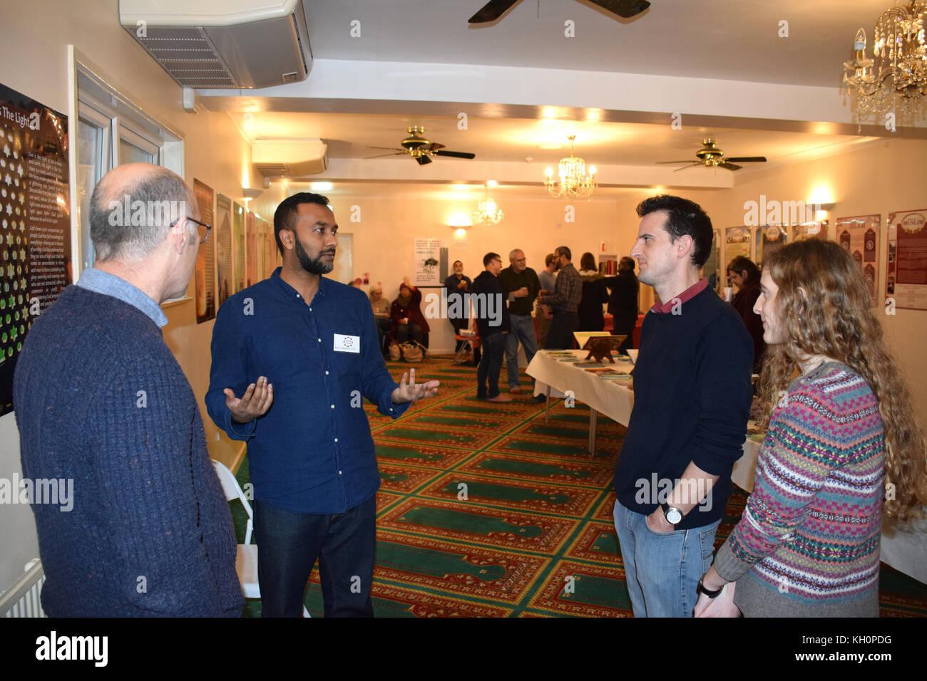 Norwich, Regno Unito. Xi Nov, 2017. Open Day al Rose Lane moschea, Norwich. Questo evento comunale consente la più Immagini Stock