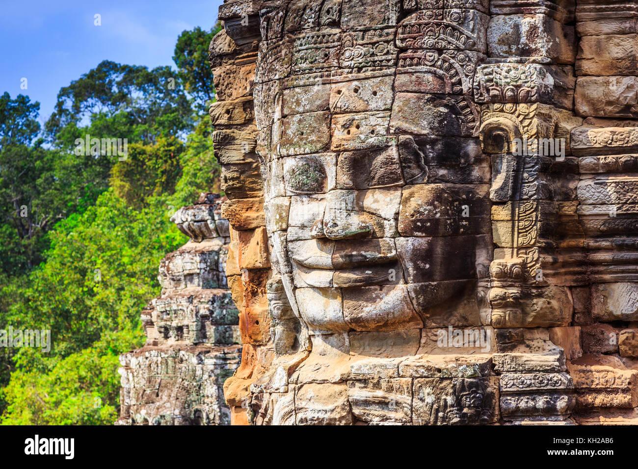 Angkor, Cambogia. faccia torre presso il tempio Bayon. Immagini Stock