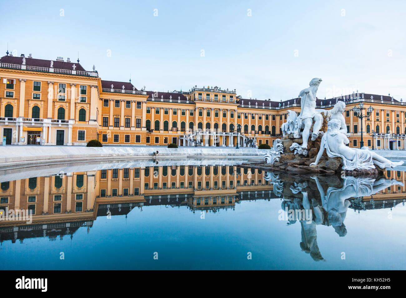 Palazzo di Schonbrunn, imperiale residenza estiva di Vienna in Austria Immagini Stock