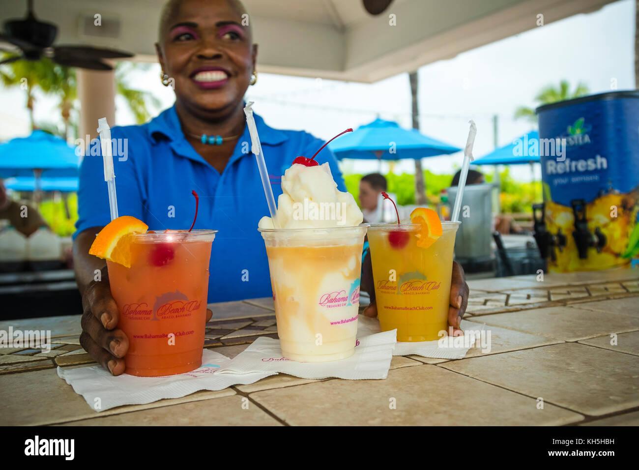 Cocktail ghiacciati, Treasure Cay, Bahamas Immagini Stock