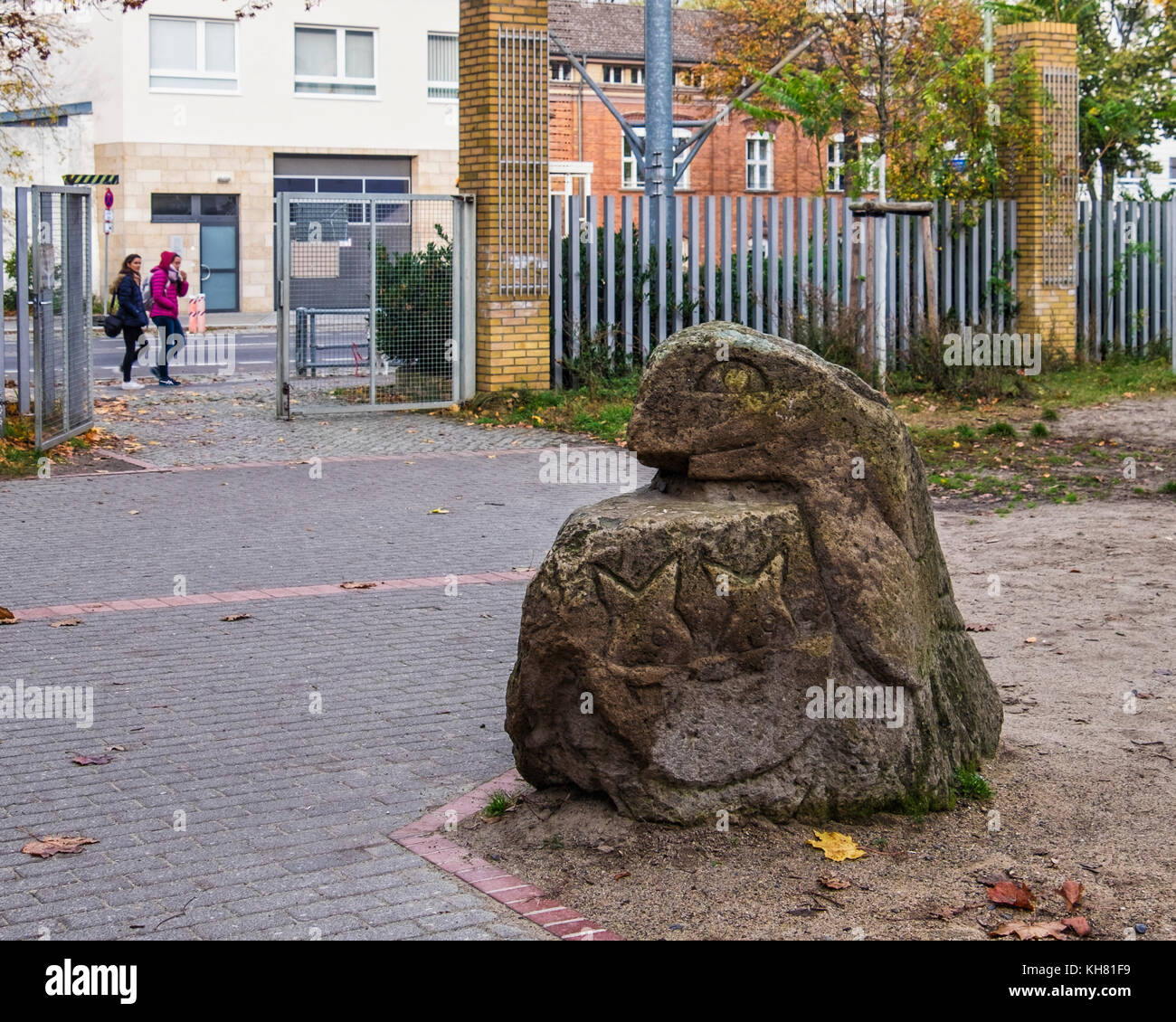 Berlino, Mitte,Tiergarten. La scultura in Allegro scuola elementare motivi Immagini Stock