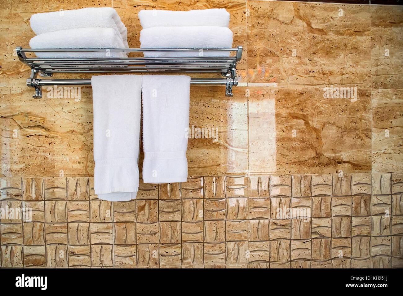 Sala Da Bagno In Inglese : Asciugamani da bagno in inglese: asciugamano da bagno in inglese
