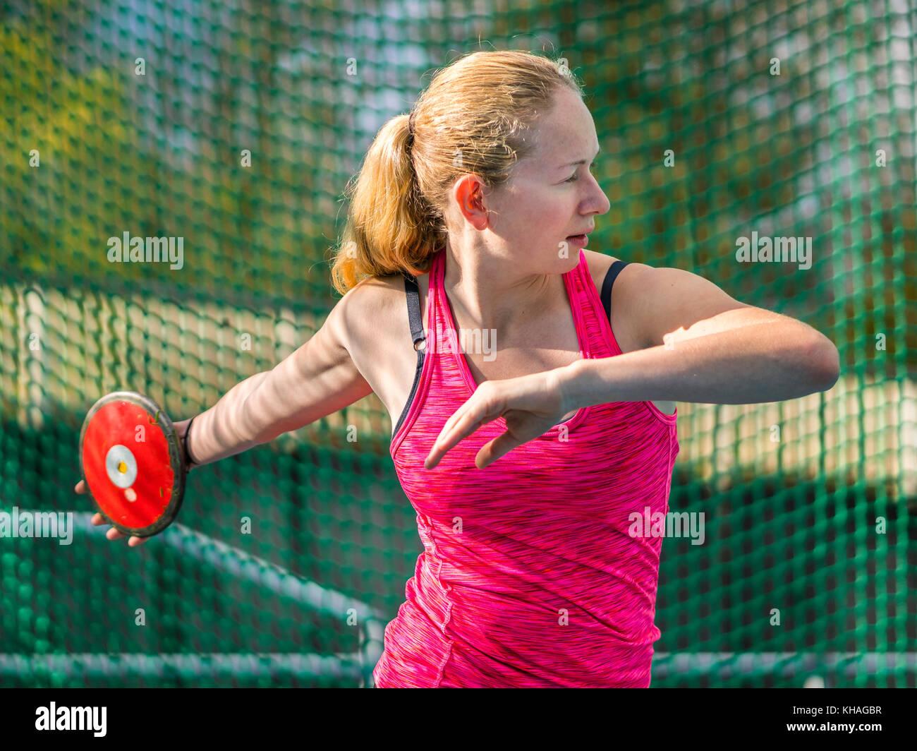 Donna, atletica, il lancio del disco Immagini Stock