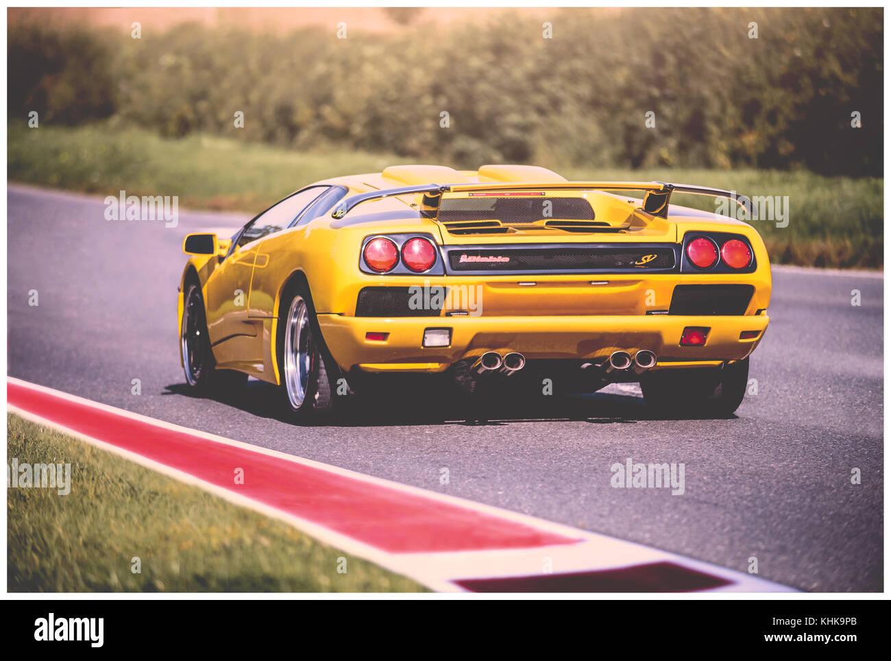 Giallo Lamborghini Diablo Cingolo Posteriore Foto Immagine Stock