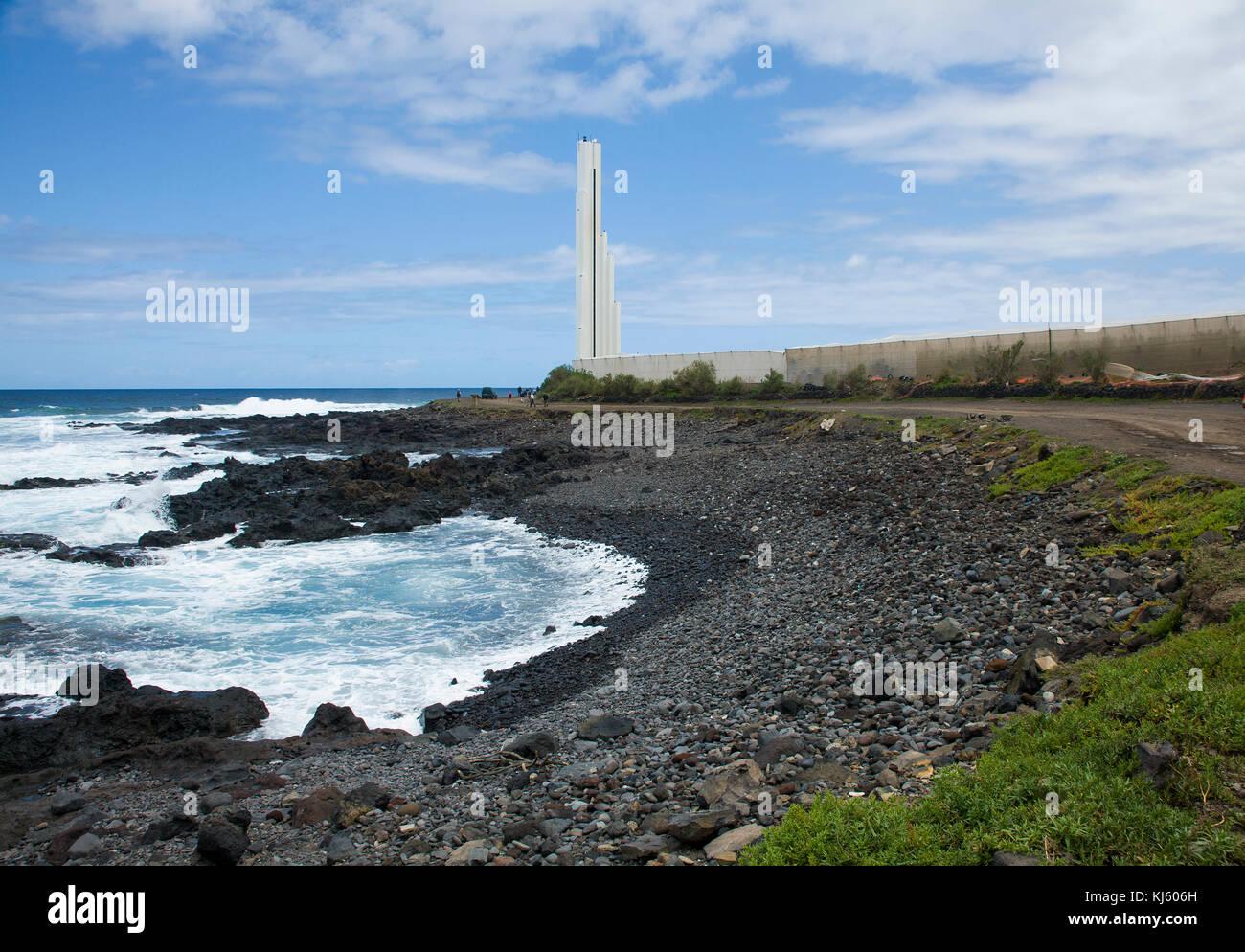 Faro de Punta del Hidalgo, futuristico faro di Punta del Hidalgo, a nord di isola, isola di Tenerife, Isole canarie, Immagini Stock