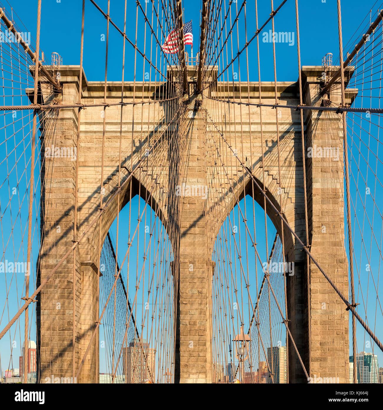 Il ponte di Brooklyn al tramonto in new york Immagini Stock