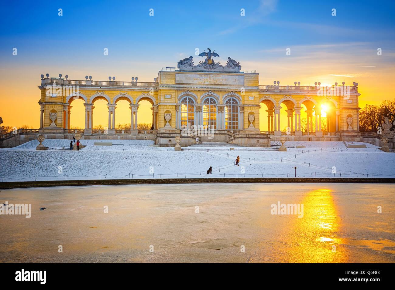 Gloriette nel Palazzo di Schonbrunn in inverno, Vienna, Austria Immagini Stock