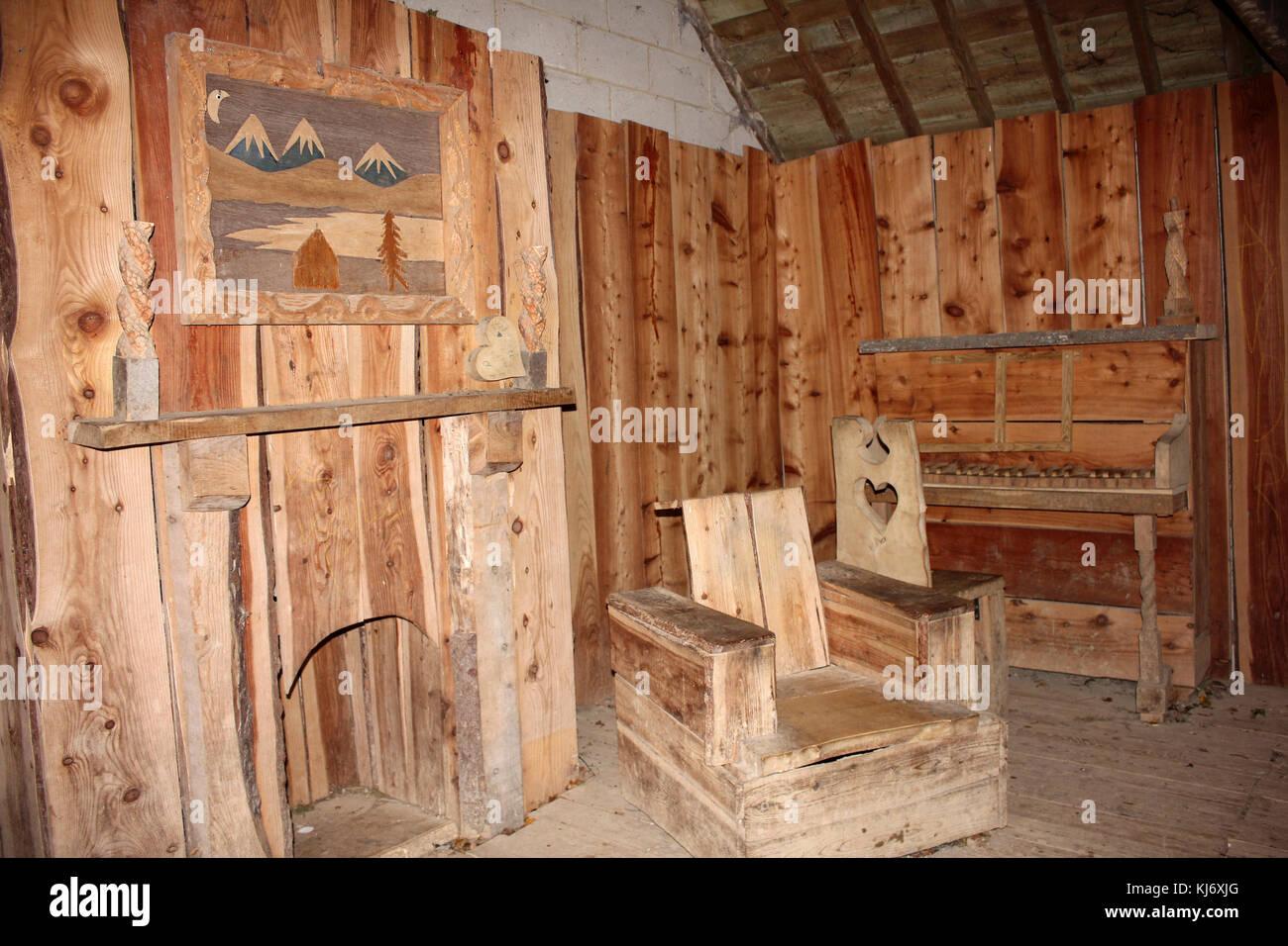"""Soggiorno con mobili etc fatta di legno in toni """"Shelter"""" Carsington acqua, Derbyshire, Regno Unito Immagini Stock"""