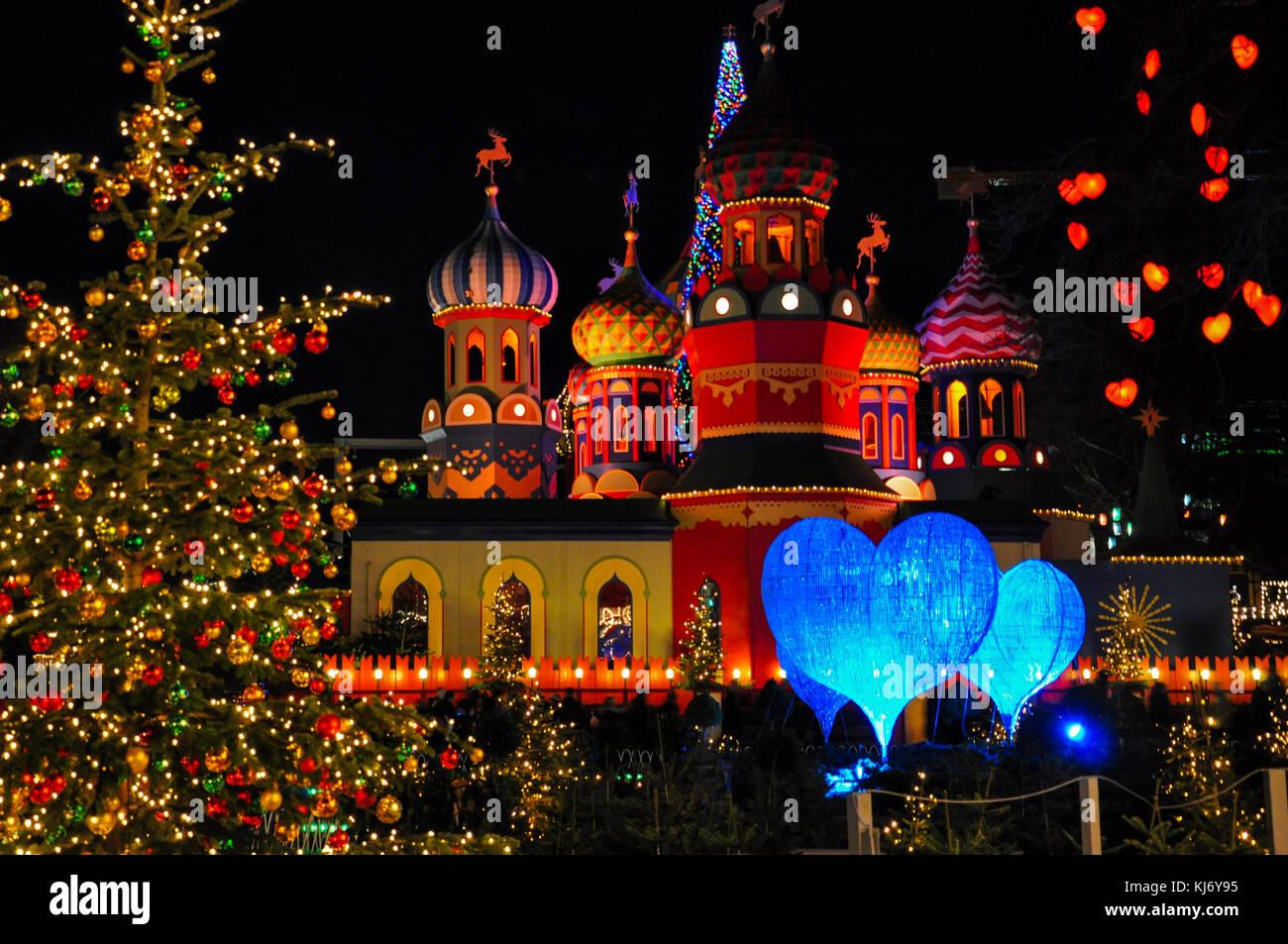 Albero Di Natale Con Decorazioni Blu : Le decorazioni di natale a copenhagen in danimarca con cuori blu