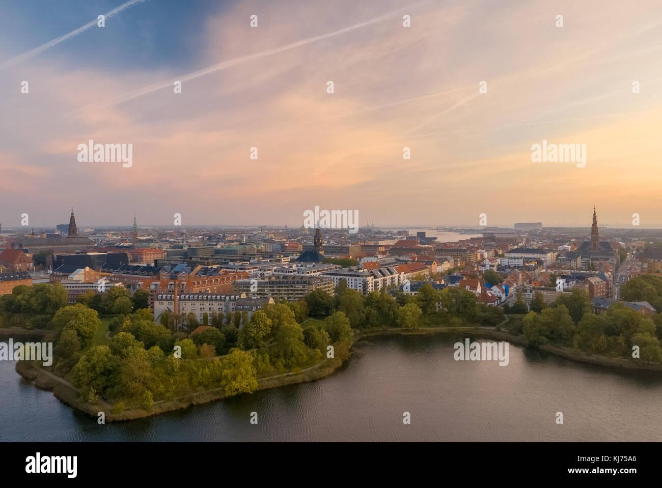 Lo skyline di Copenaghen di sunrise Immagini Stock