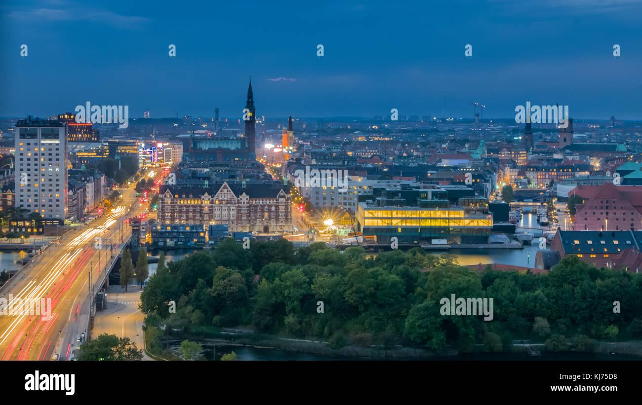 Il centro della città di moderna capitale dello skyline di Copenhagen Immagini Stock