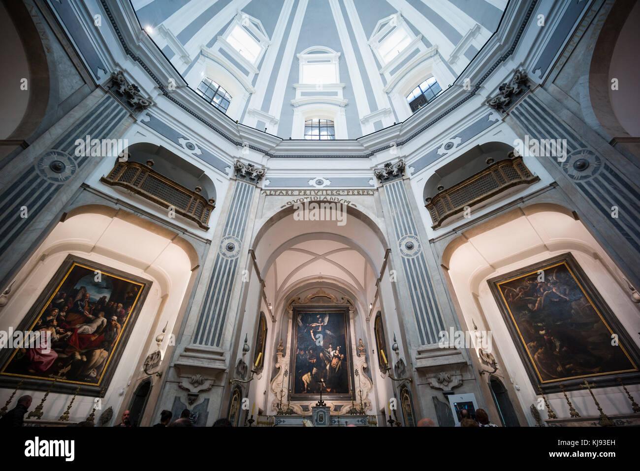 Napoli. L'Italia. Interno della chiesa del Pio Monte della Misericordia e del Caravaggio le sette opere di misericordia Immagini Stock