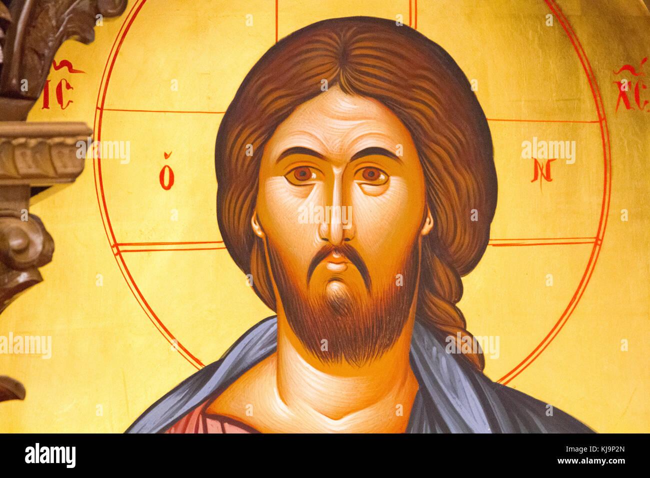 """Icona di Gesù Cristo il dominatore del mondo """"Pantocrator"""" nella cappella ortodossa presso l'aeroporto Immagini Stock"""