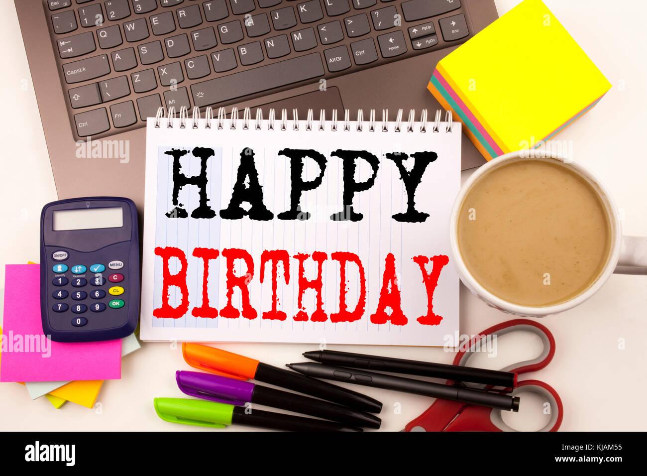 Anniversario Ufficio : La parola scritta buon compleanno in ufficio con frazioni come