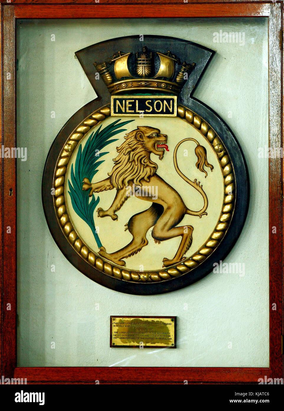 H M S Nelson, nave di cresta, eseguito in HMS Nelson, nella guerra mondiale 2, Burnham Thorpe Chiesa, Norfolk, Inghilterra, Immagini Stock