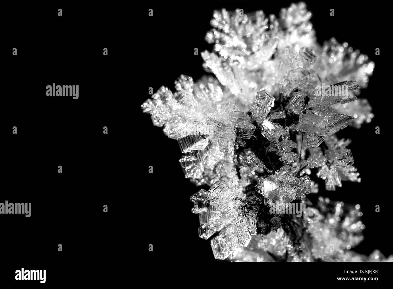 Fiocchi Di Neve Di Carta Modelli : Bellissimo modello invernale di cristalli di ghiaccio di fiocchi