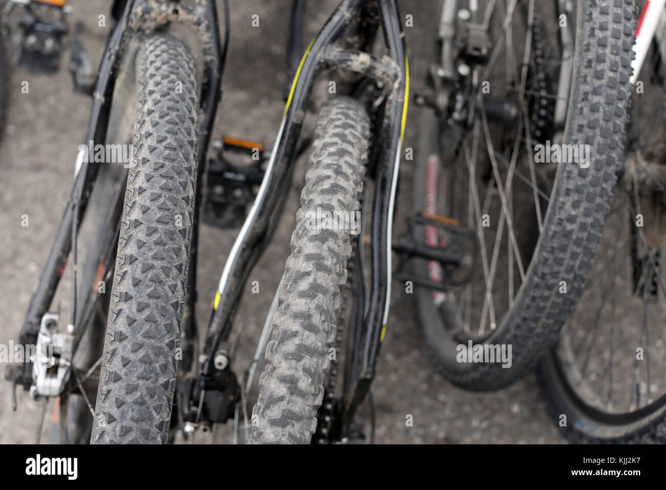 Mountain bike con pneumatici spiked. La Francia. Immagini Stock