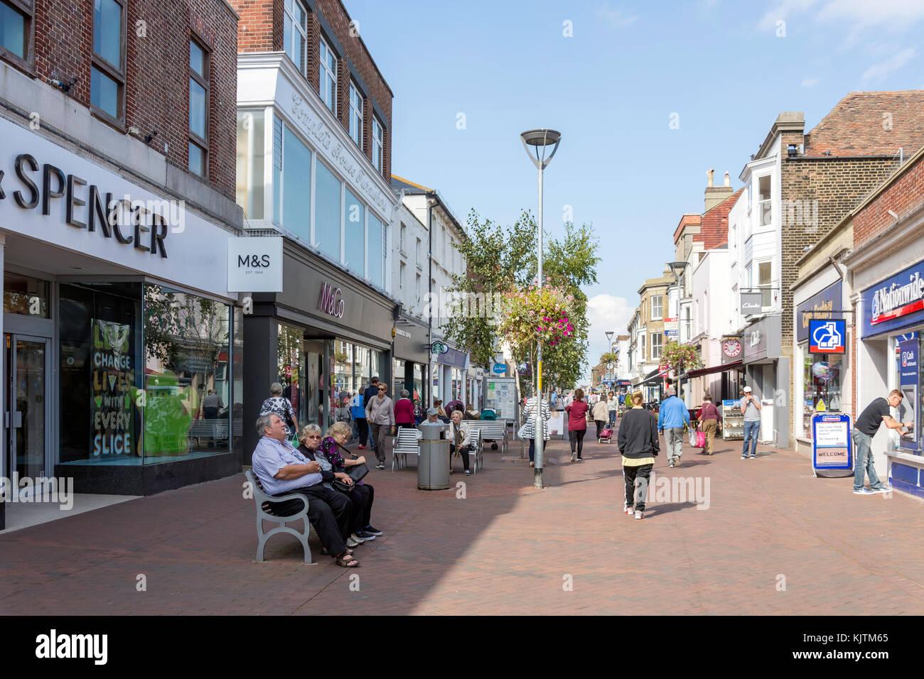 Area pedonale per High Street, trattare, Kent, England, Regno Unito Immagini Stock