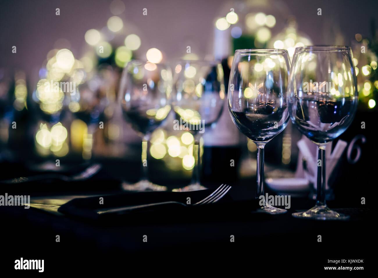Tabella di lusso impostazione per la festa di natale, feste e matrimoni. Immagini Stock