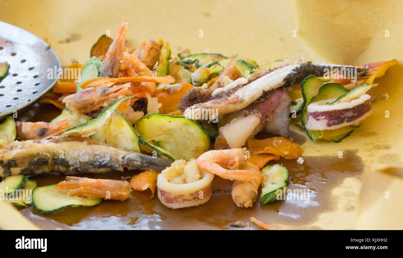 Mixed Seafood Plate Immagini Mixed Seafood Plate Fotos Stock Alamy