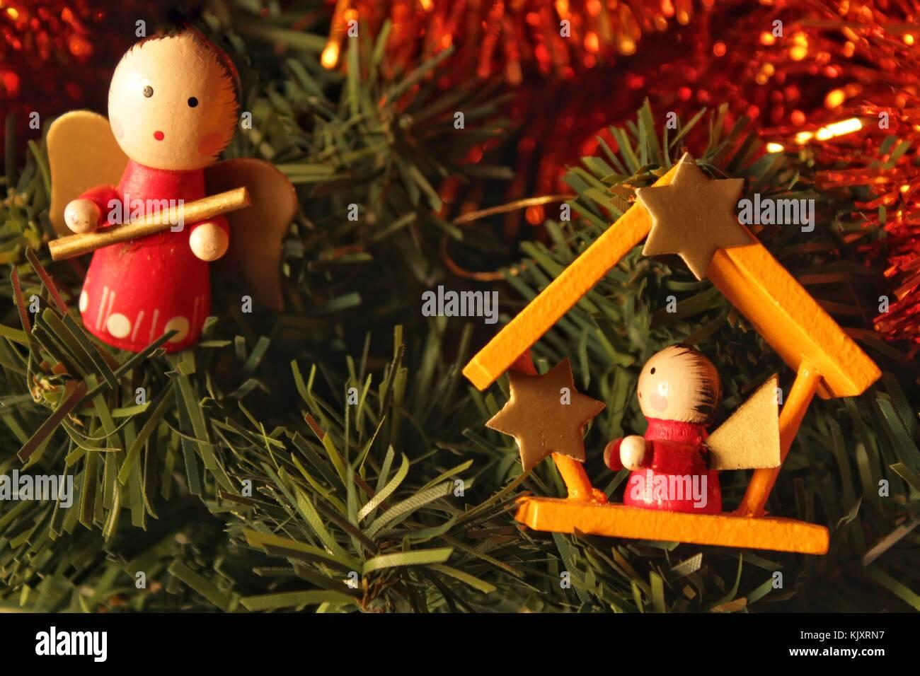 Decorazioni Per Casa Di Natale : Decorazione per albero di natale a casa foto & immagine stock