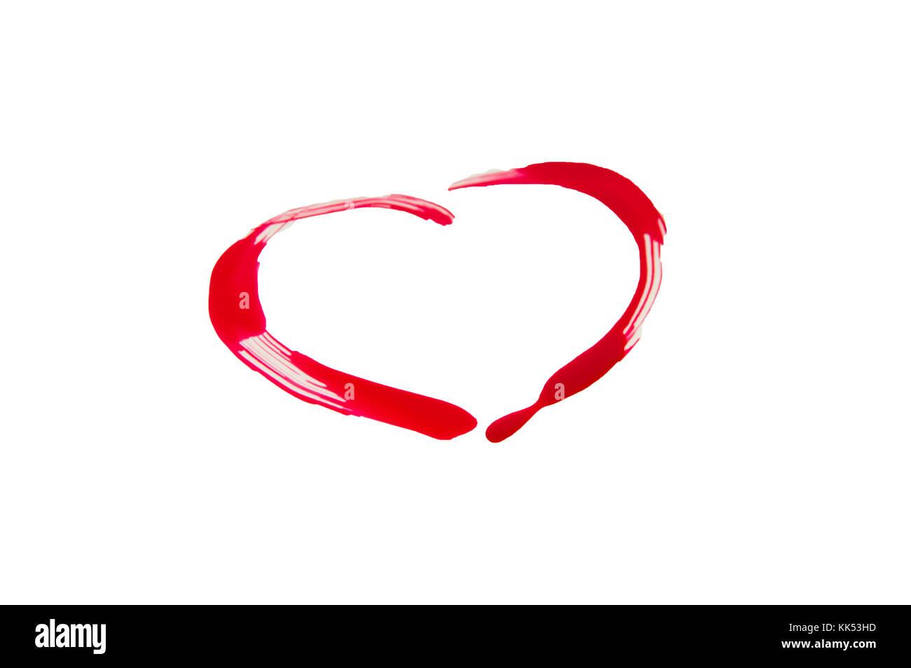 A Forma Di Cuore Rosso Smalto Per Unghie Isolati Su Sfondo Bianco