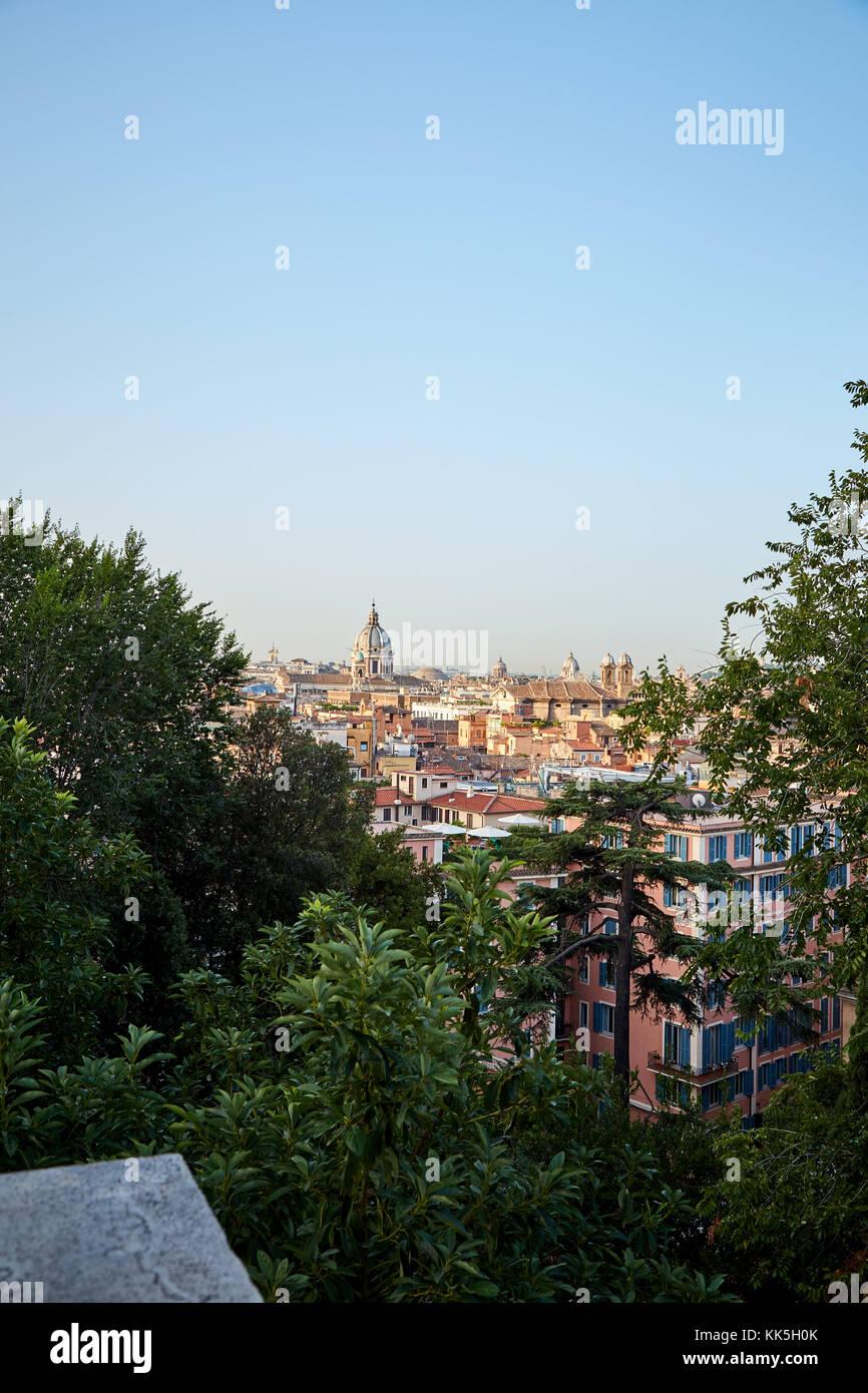 Vista Di Roma Dall Alto Attraverso Gli Alberi Dal Ponte Di