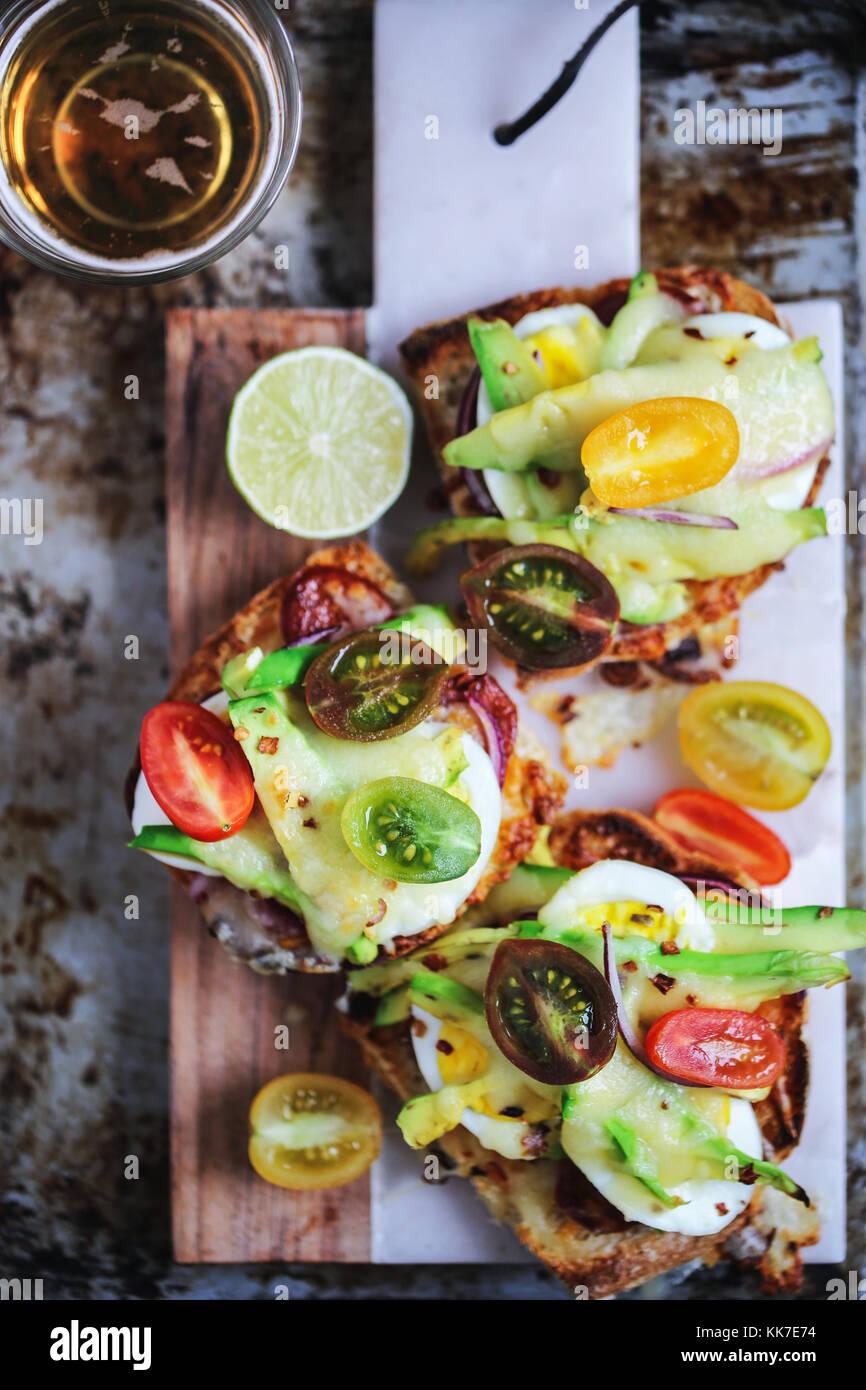 Aprire sandwich avocado Immagini Stock