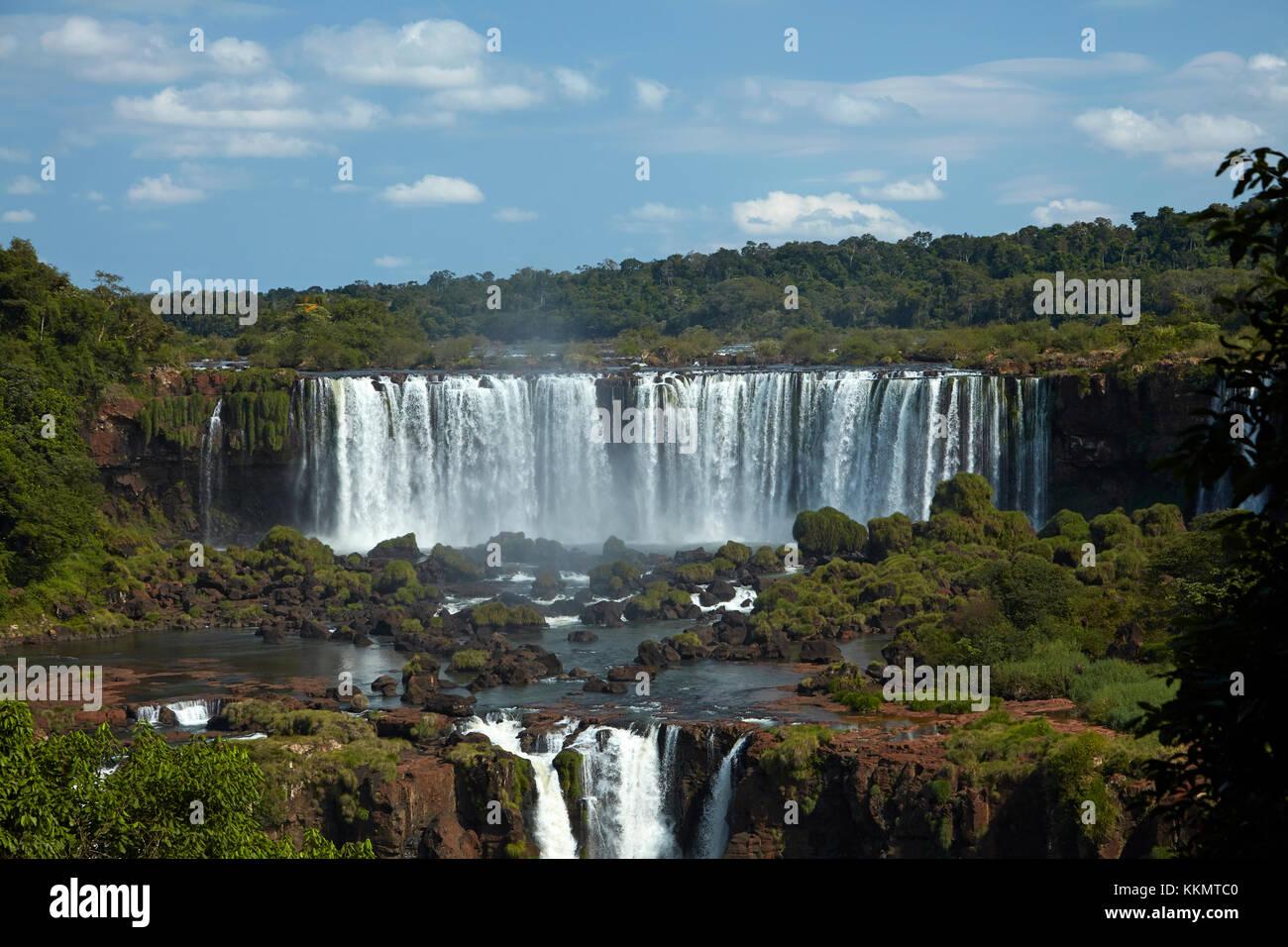 Salto Rivadavia e Salto Tres Musqueteros, Cascate di Iguazu, Argentina, visto dal lato del Brasile, Sud America Foto Stock