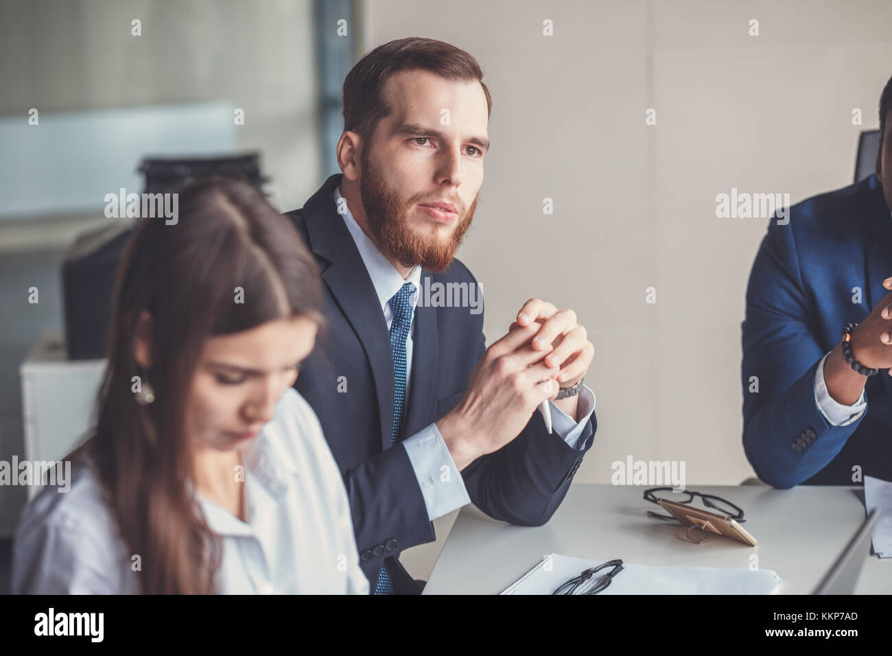 Team leader e business leader proprietario riunione informale in-house business meeting Immagini Stock