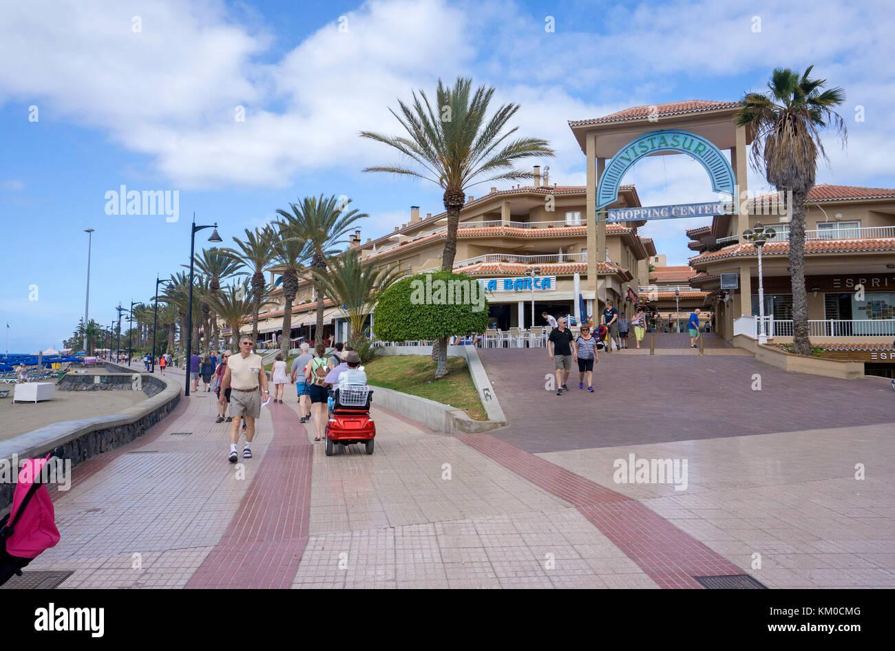 Centro shopping vista sud presso il lungomare di Los Christianos, costa sud dell'isola di Tenerife, Isole canarie, Immagini Stock
