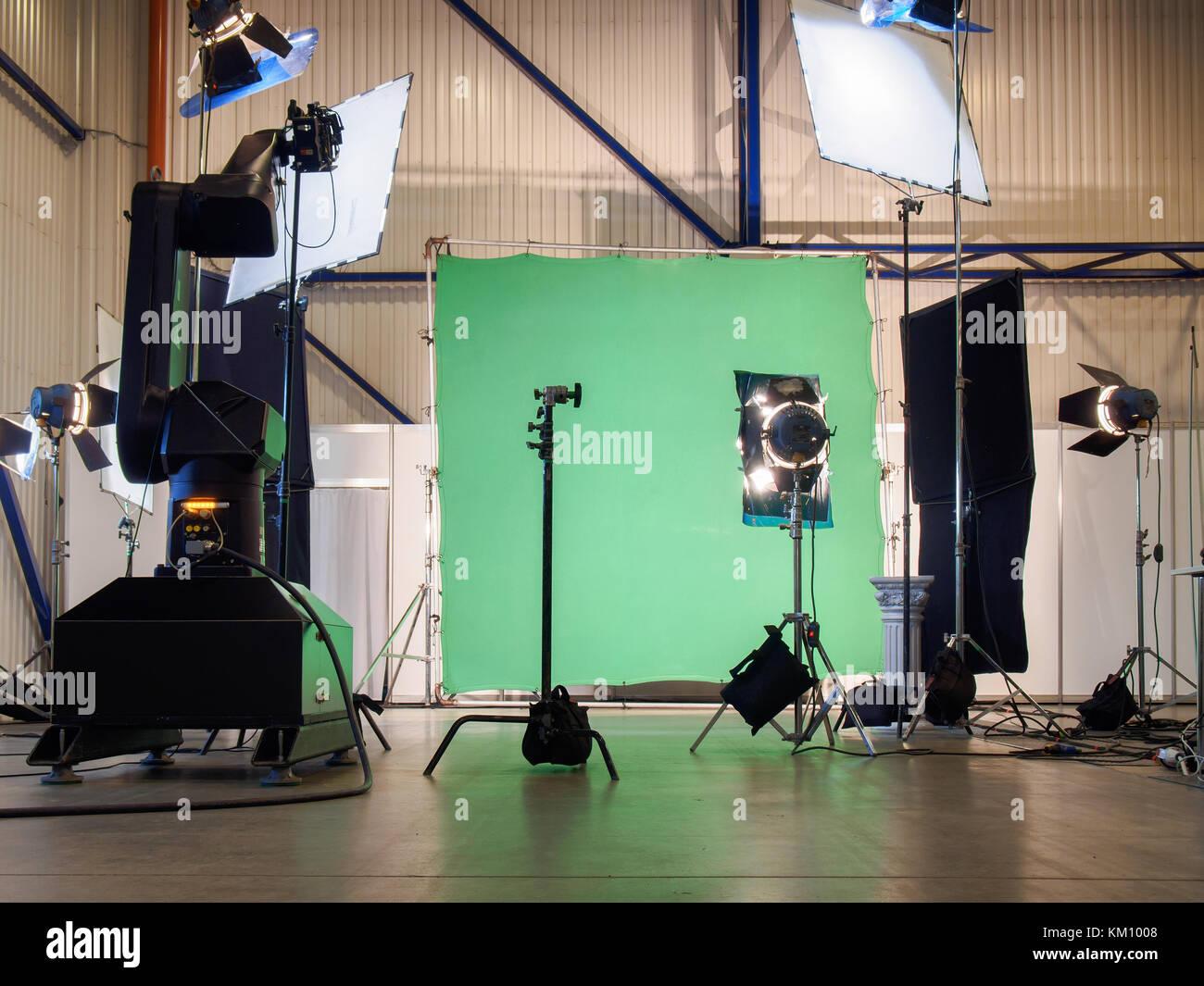 Real svuota lo schermo verde film foto in studio con illuminazione