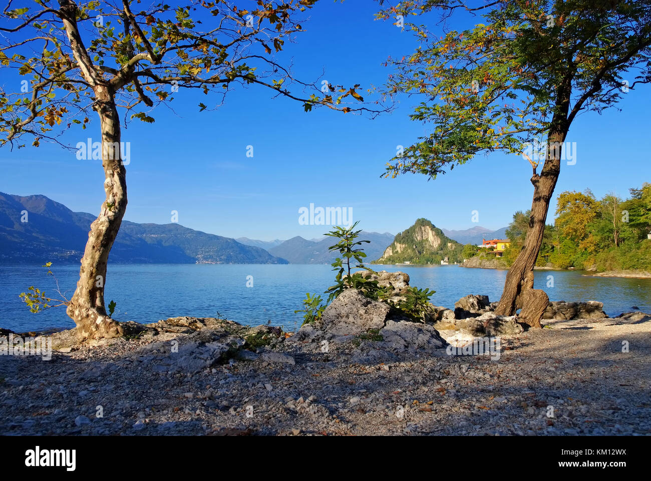 Matrimonio Spiaggia Lago Maggiore : Castelveccana spiaggia cinque arcate sul lago maggiore