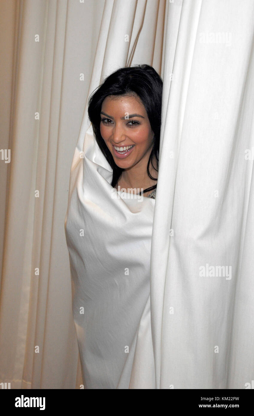 Smg_kardashian_shopping_111707_23 - (esclusiva copertura) Bal Harbour - fl, - Novembre 17, 2007: (esclusiva copertura) Immagini Stock